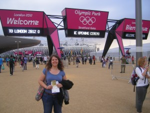 Devant le Stade Olympique