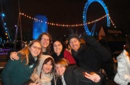 Notre petite bande devant le London Eye