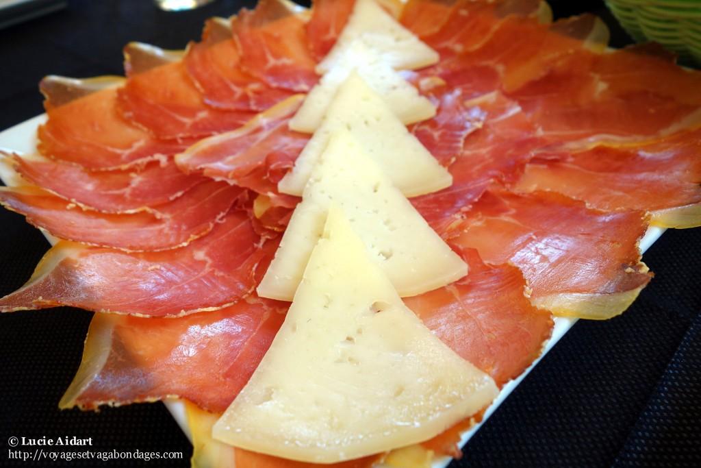 Tapas: Jamon y queso