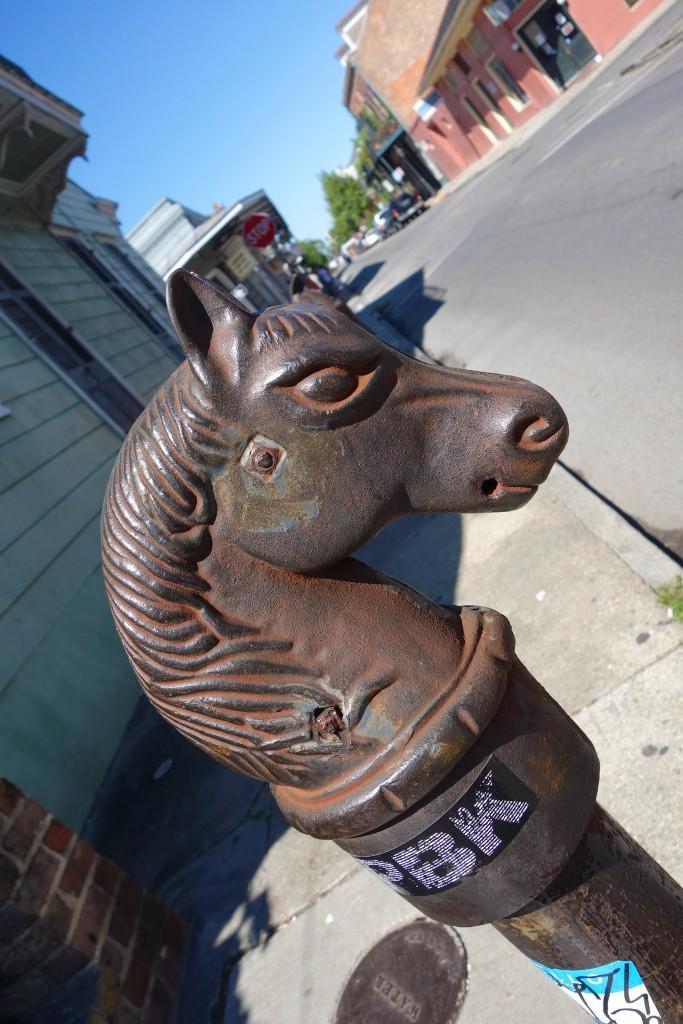 Attachez votre cheval ici