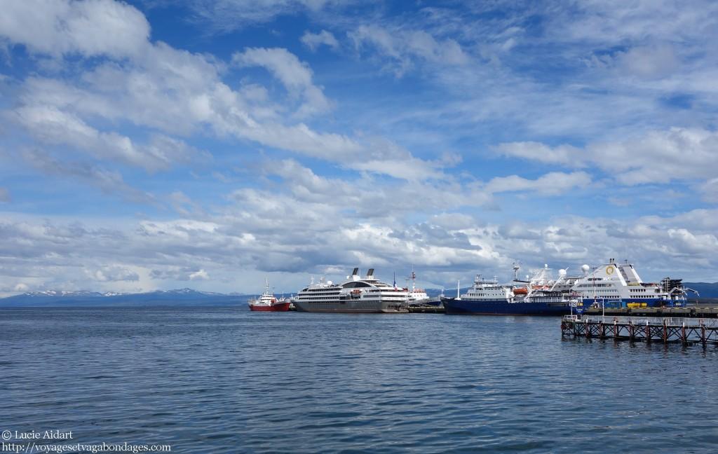 L'Ocean Diamond à quai, un bateau de Quark Expeditions prêt pour le départ pour un voyage en Antarctique