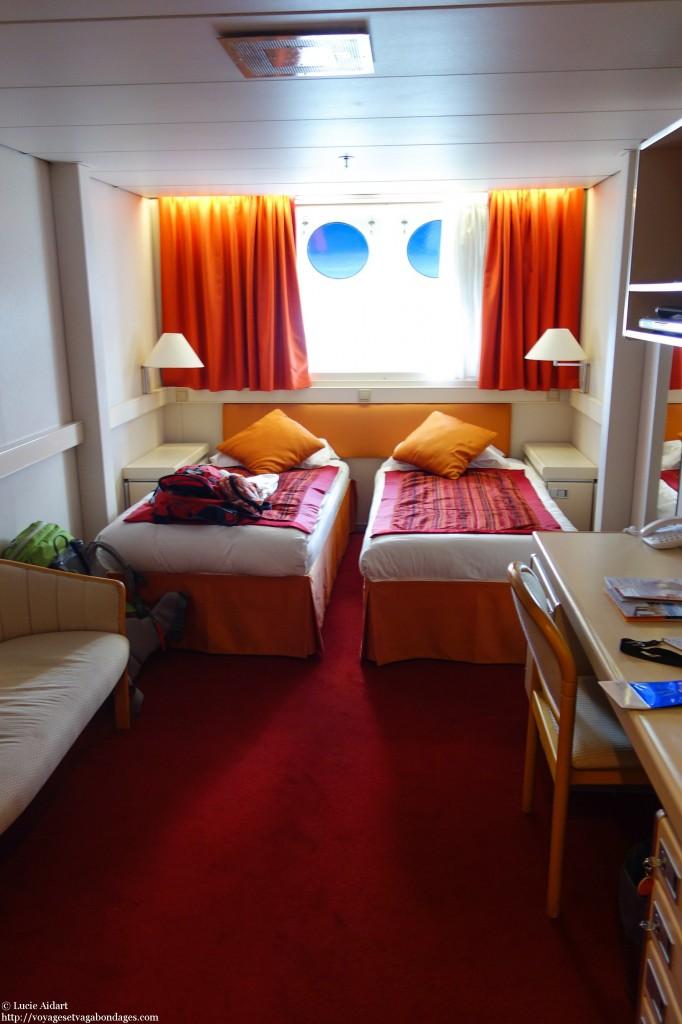 Cabine double 333 avec hublot, à bord de l'Ocean Diamond de Quark Expeditions, en route pour un voyage en Antarctique
