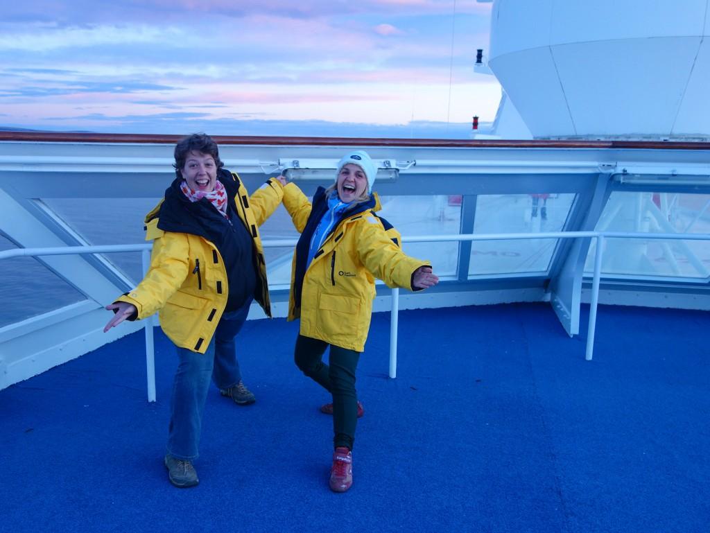 En route vers le bout du monde, premier coucher de soleil pour la croisière en Antarctique, avec Olena