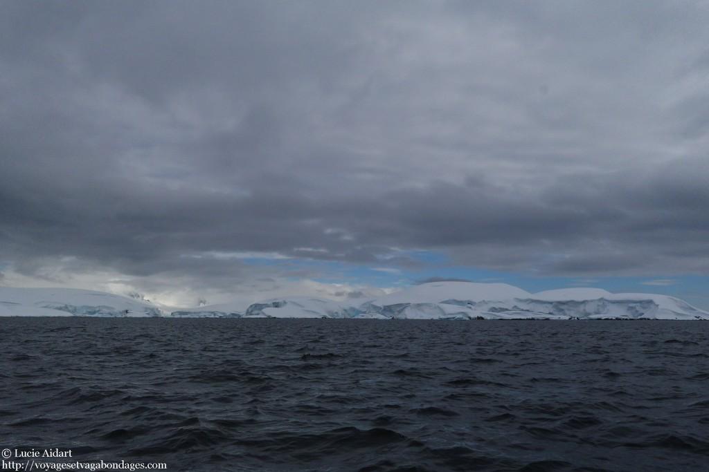 Notre arrivée à Enterprise Island, un premier aperçu du septième continent