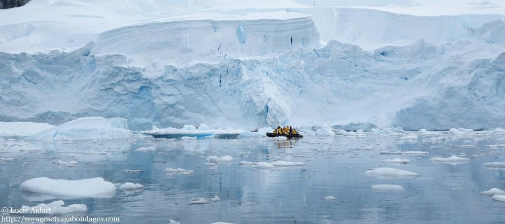 Croisière en zodiac en Antarctique - Fêter Noël en Antarctique - Une ambiance de fin du monde