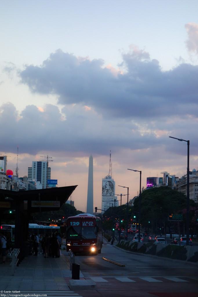 Coucher de soleil sur le centre-ville de Buenos Aires