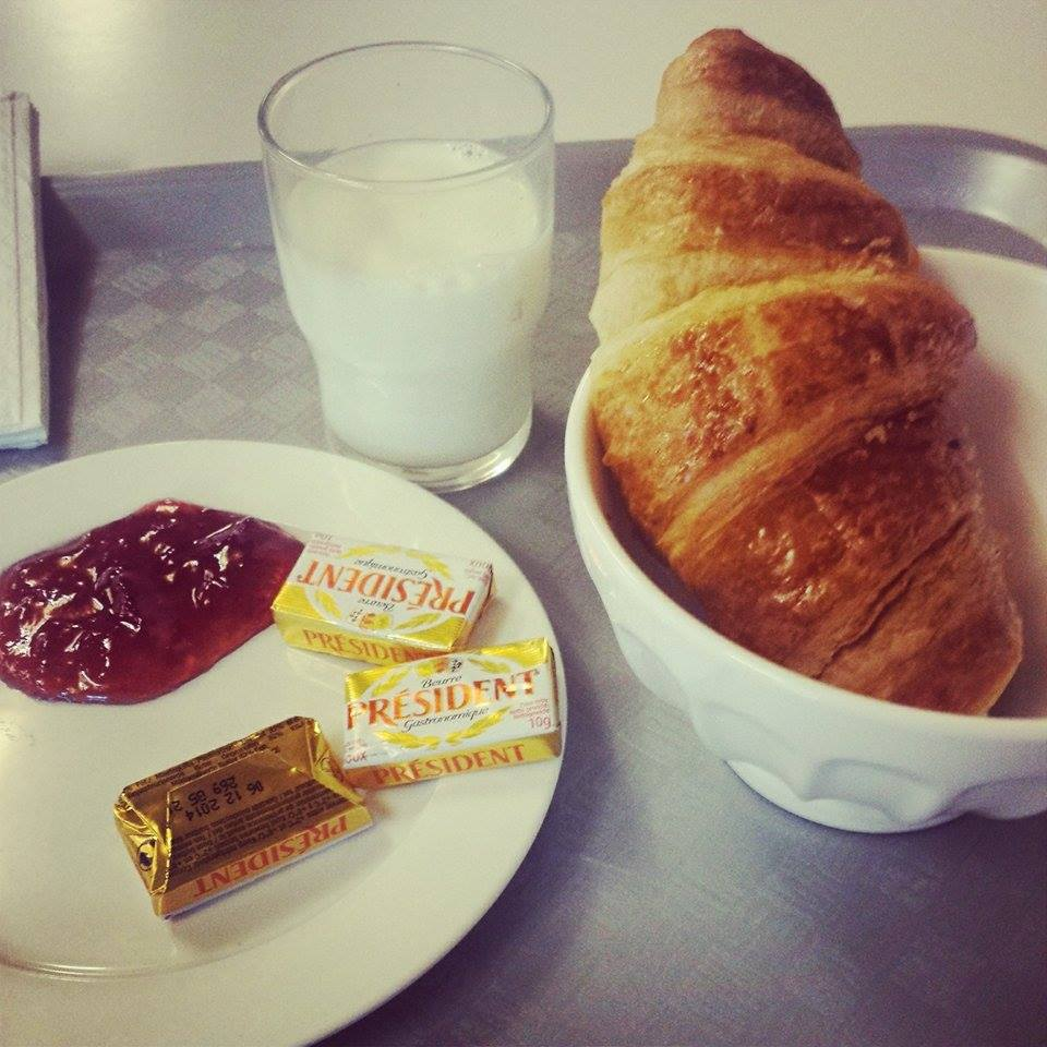 10736086 770482199665025 1969872241 n Big Blog X: Breakfast at the Hostel!