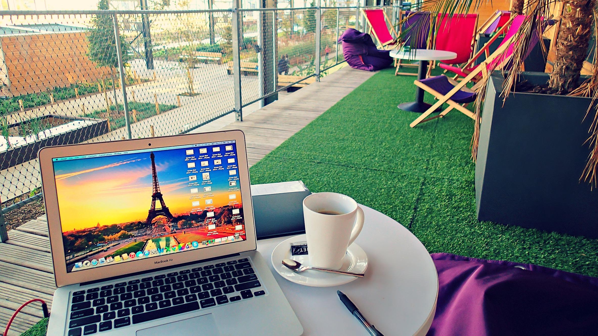 P10101851 Big Blog X: Breakfast at the Hostel!