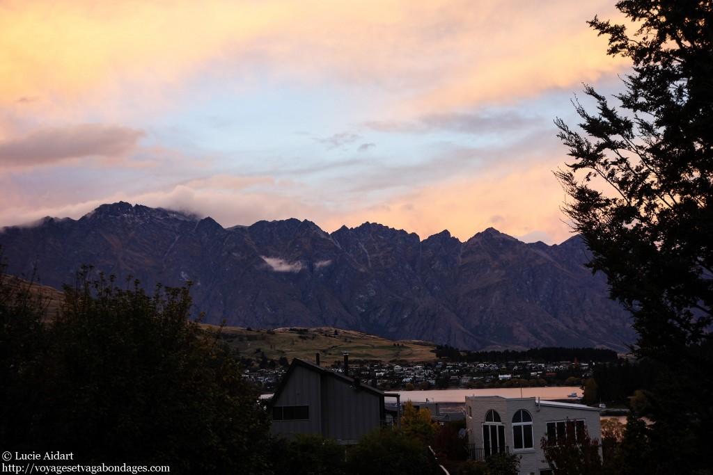 Un joli coucher de soleil depuis le balcon de mon appart' à Queenstown