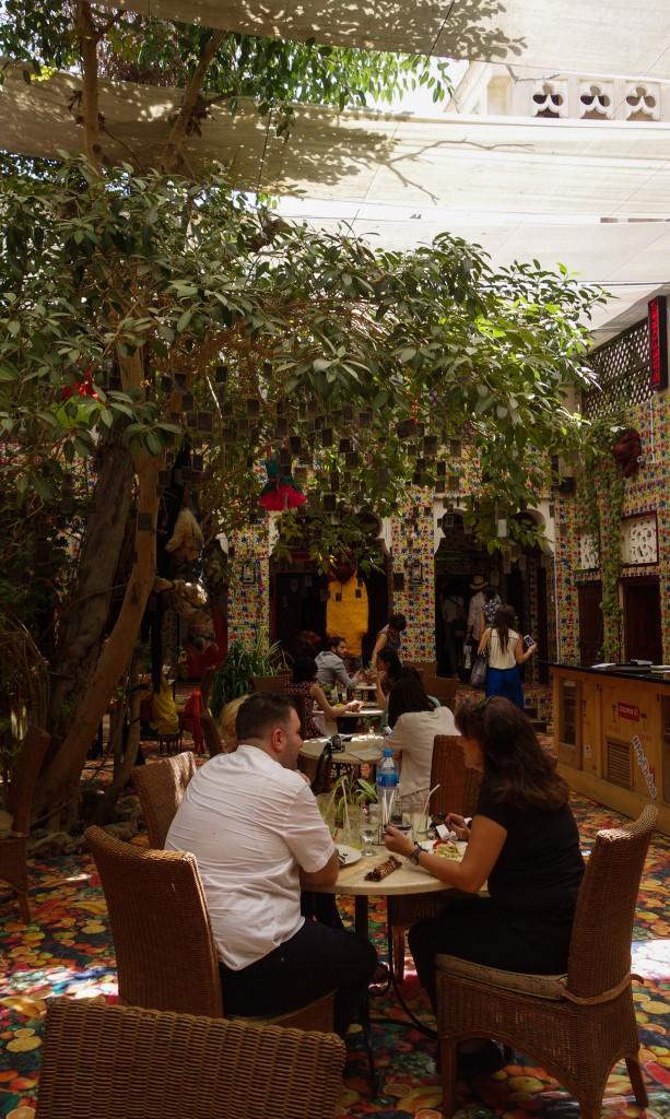 Repas à XVA Gallery, Culture à Dubaï