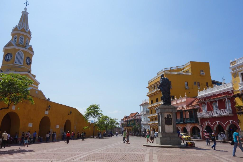 Carthagène des Indes, voyage en Colombie, Cartagena, Une place colorée dans le vieux centre