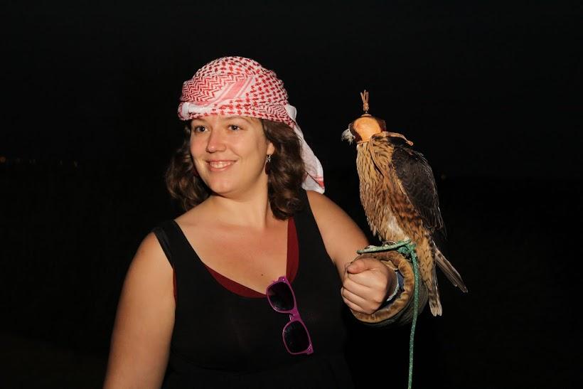 Lucie et le faucon, excursion dans le désert à Dubaï