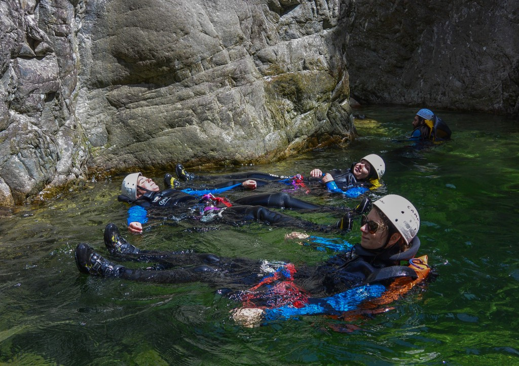 Canyoning corse, pause loutre