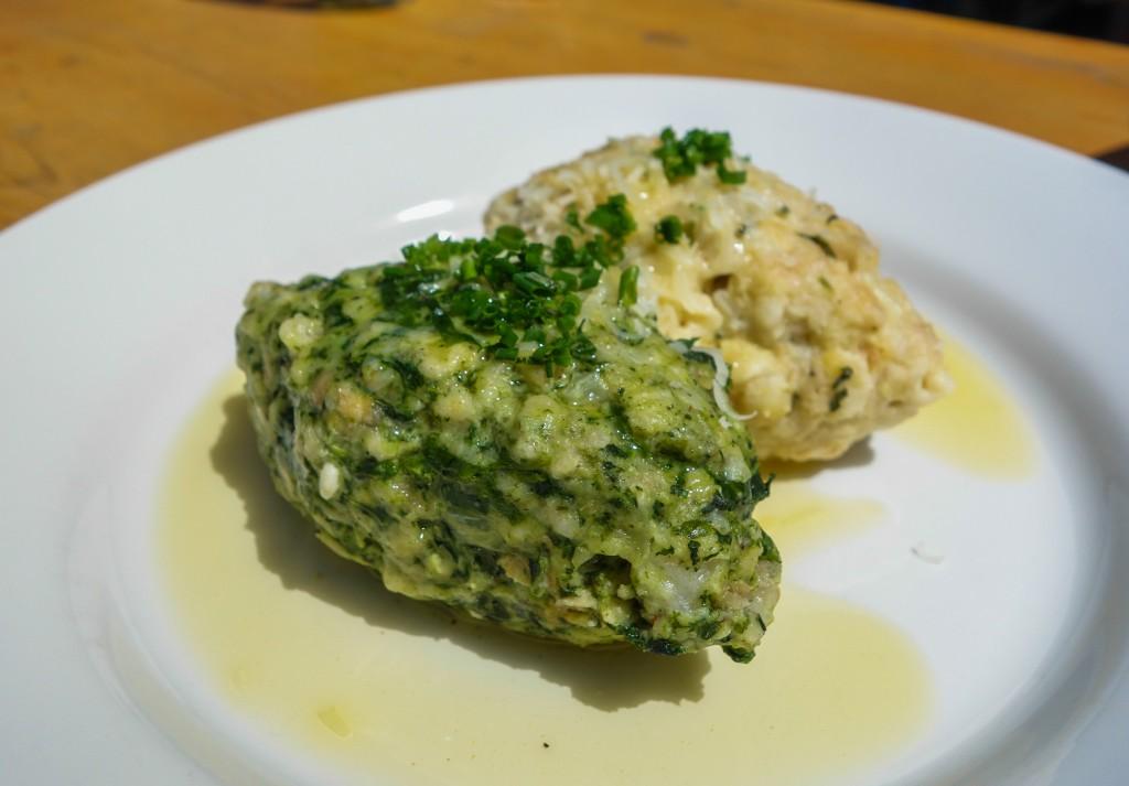 Knödel au fromage et épinards