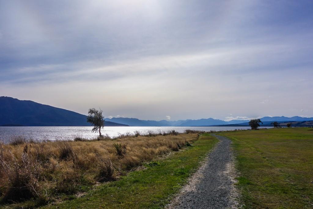 Le lac de Te Anau, Nouvelle-Zélande, par Voyages et Vagabondages