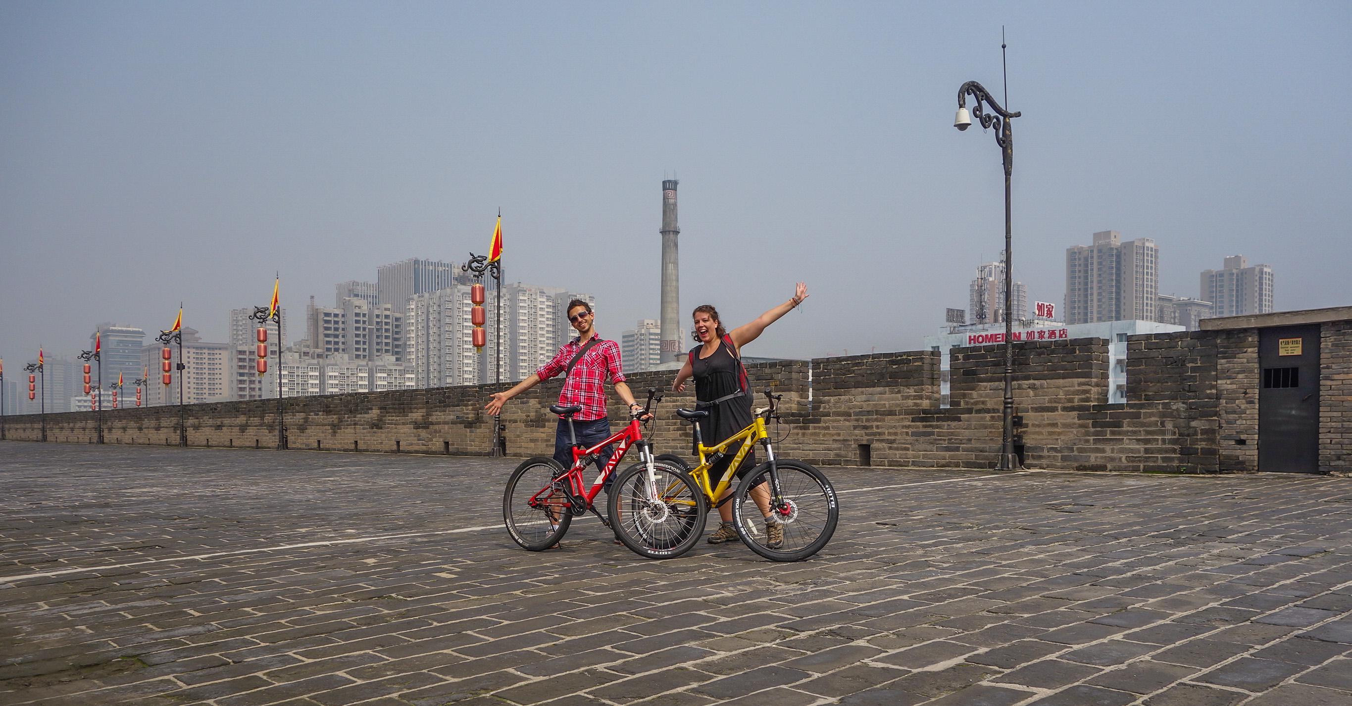 A vélo sur les murs de Xian en Chine