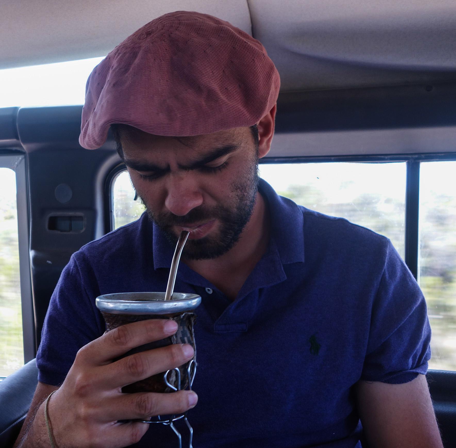 Boire le mate en Argentine