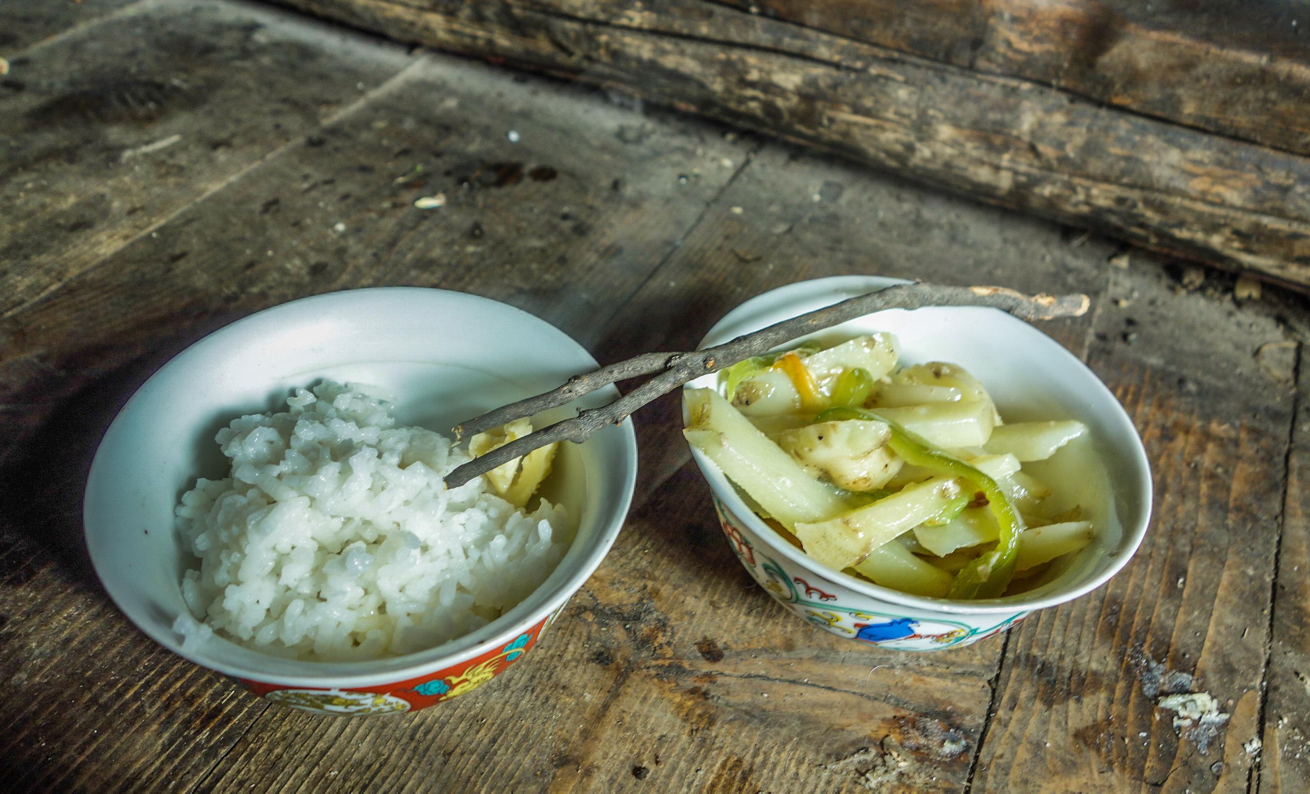 Déjeuner chez une famille de nomade au Tibet