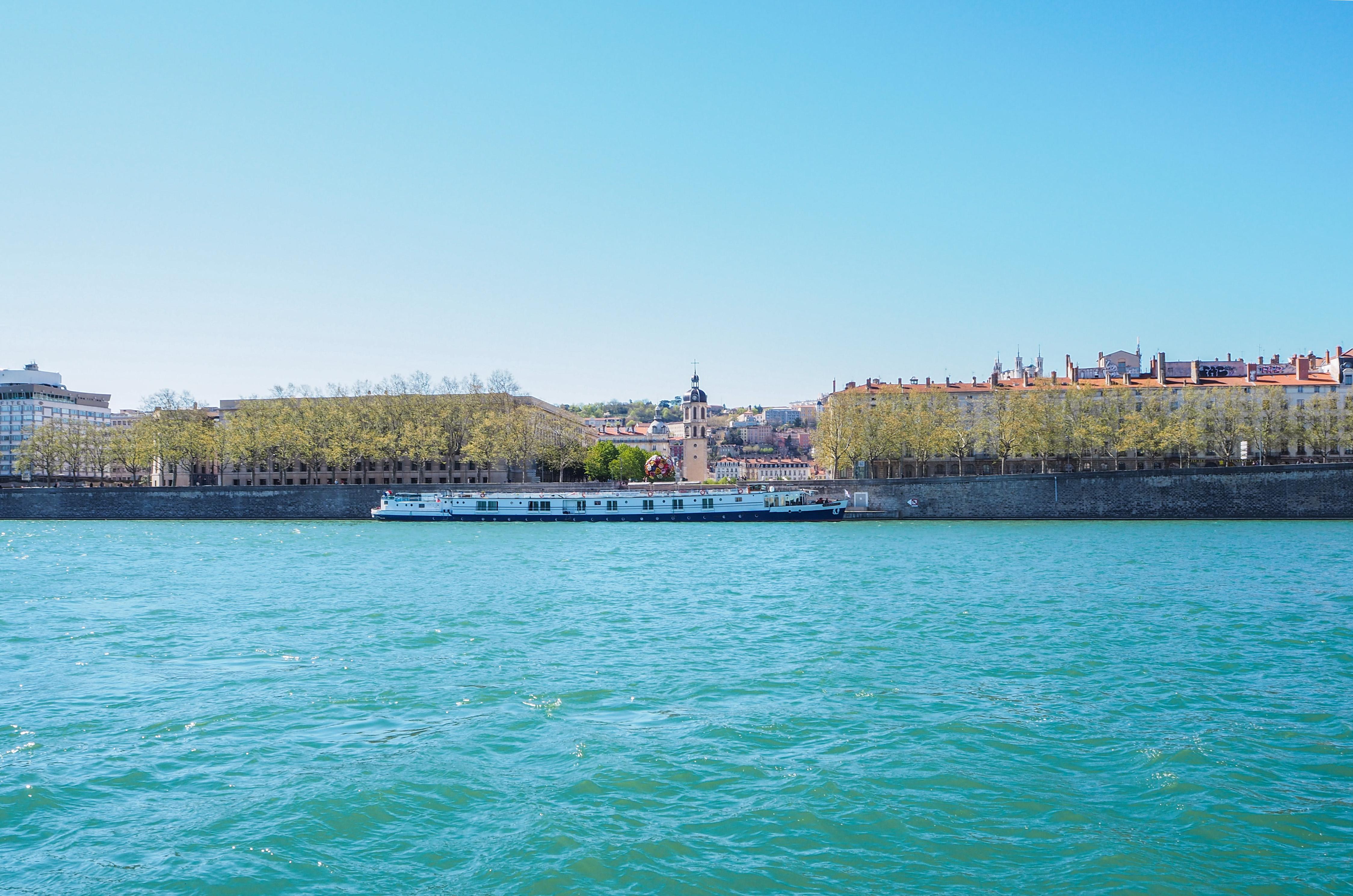 Sur les berges du Rhône à Lyon