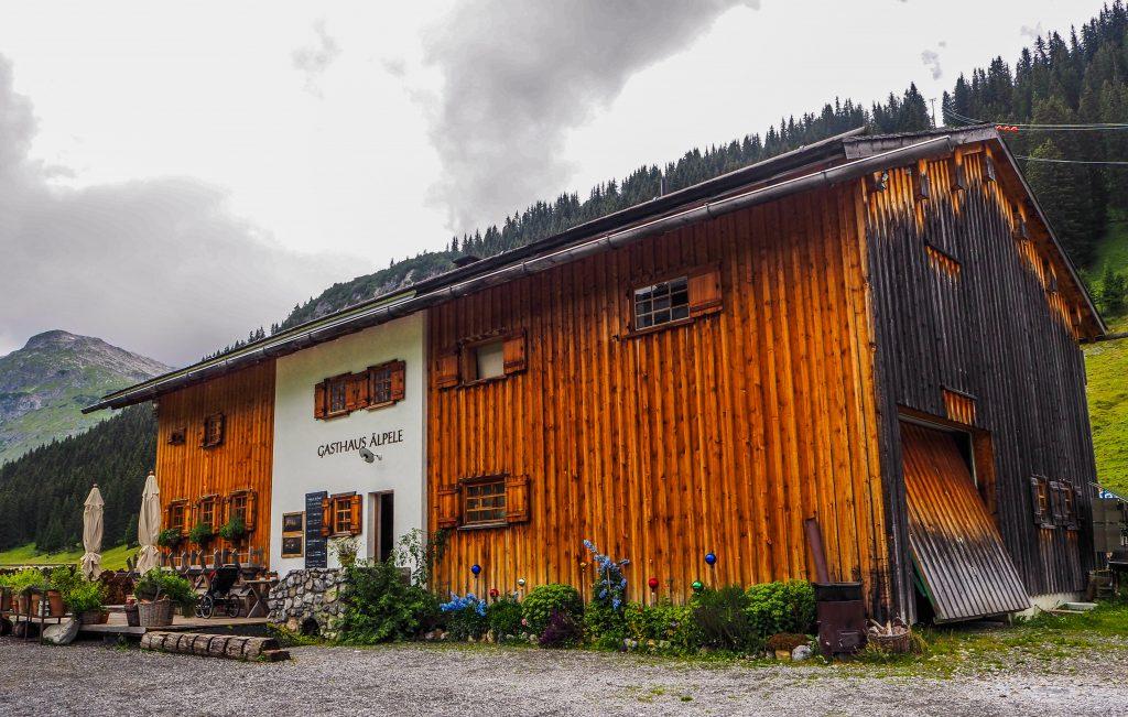 Pause déjeuner lors d'une randonnée sur la Lechweg