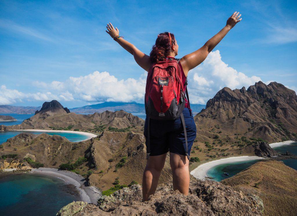 Le quotidien d'un voyage en solo, randonnée sur l'île de Padar, dans le parc National de Komodo à Flores en Indonésie