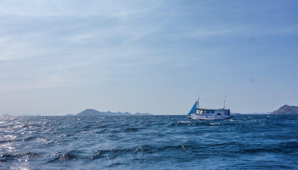 Le bateau en direction de Komodo et Rinca