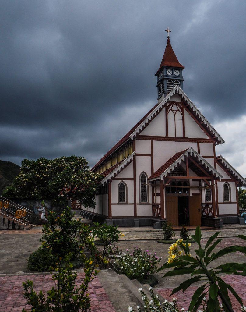Voyager en Indonésie hors des sentiers battus: le village de Sikka sur l'île de Flores