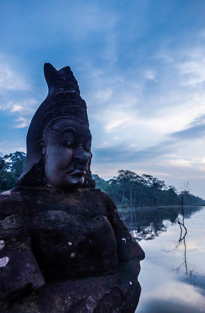 Lever du soleil sur le Bayon aux temple sd'Angkor