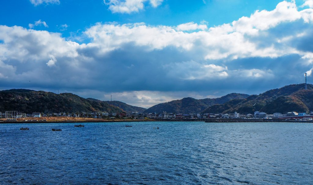 Kada, la vue sur la mer depuis l'onsen