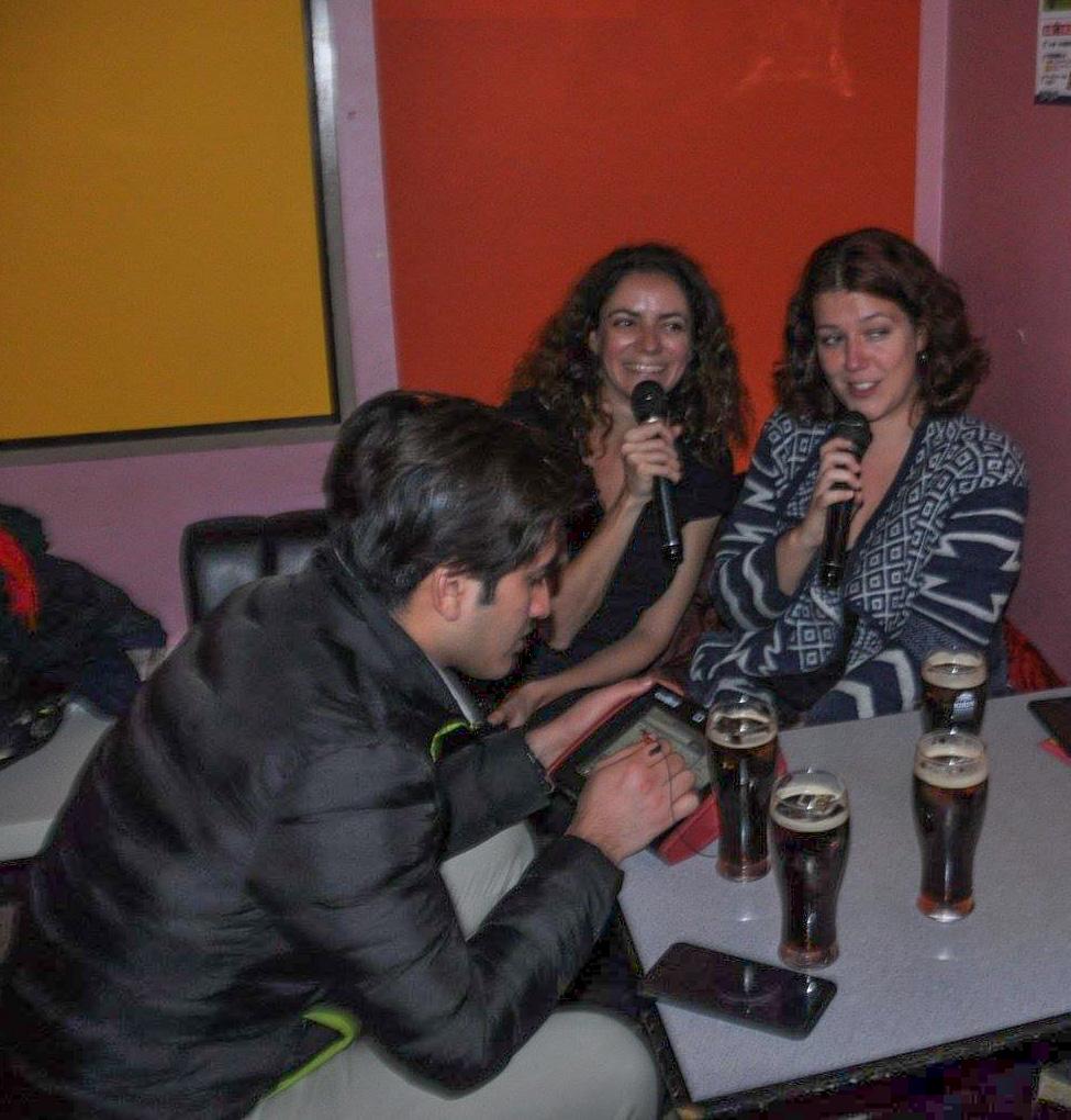 Apprendre le Japonais en chantant au Karaoké