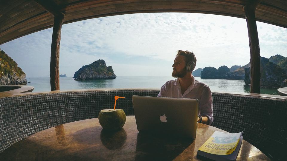 Michael Pinatton au Vietnam - Comment voyager à durée indéterminée et vivre sur les routes du monde, pour un an, cinq ans ou pour la vie, pour tous les budgets. Mon histoire, mon retour d'expérience, mes conseils et un guide pratique pour vous lancer et vivre la vie de vos rêves.