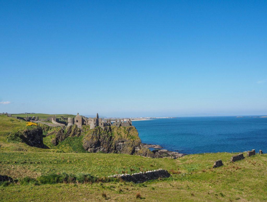 La Causeway Coastal Route en Irlande du Nord: un des meilleurs road-trips au monde: château de Dunluce