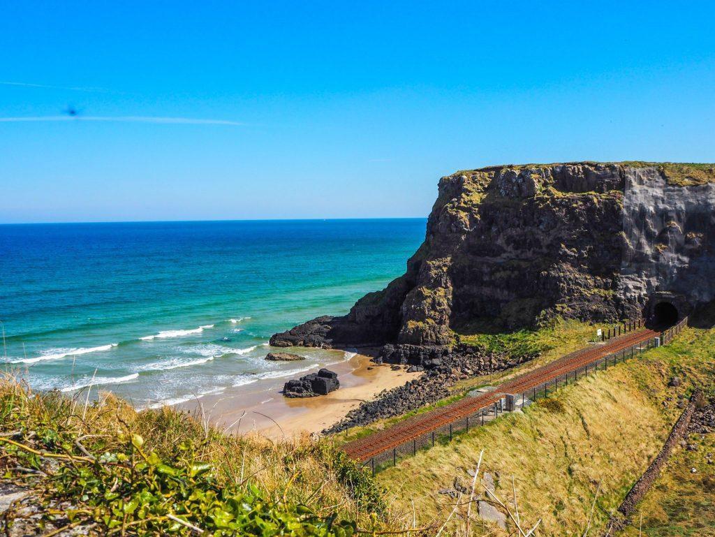 La Causeway Coastal Route en Irlande du Nord: un des meilleurs road-trips au monde: temple de Mussenden