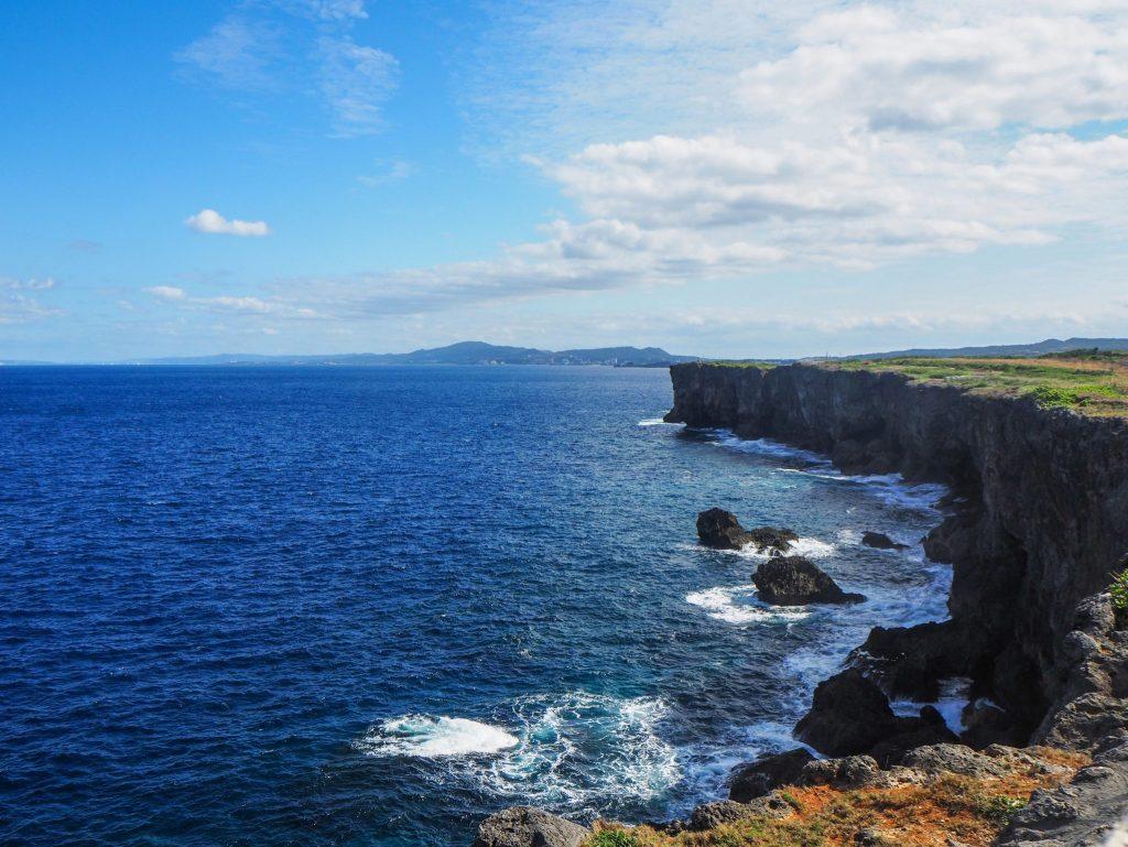 Visiter l'île d'Okinawa au Japon sans voiture: récit, bonnes adresses et guide pratique: Yomitan