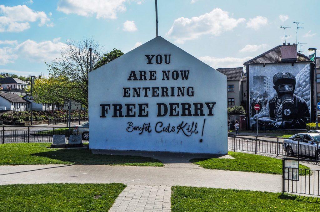 You are now entering Free Derry - Que faire et que visiter à Derry / Londonderry en Irlande du Nord? Guide pratique complet et conseils