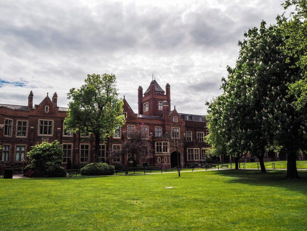 Queen's University à Belfast - Un week-end à Belfast: conseils pratiques et bonnes adresses pour un week-end réussi de quelques jours en Irlande du Nord