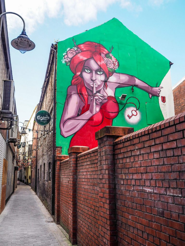 Street art dans le quartier de la cathédrale et ruelle à Belfast- Un week-end à Belfast: conseils pratiques et bonnes adresses pour un week-end réussi de quelques jours en Irlande du Nord