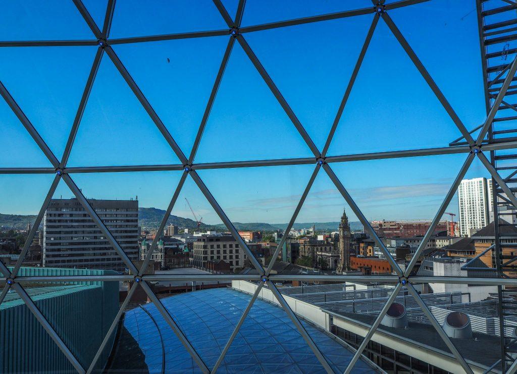 Vue sur Belfast - Un week-end à Belfast: conseils pratiques et bonnes adresses pour un week-end réussi de quelques jours en Irlande du Nord