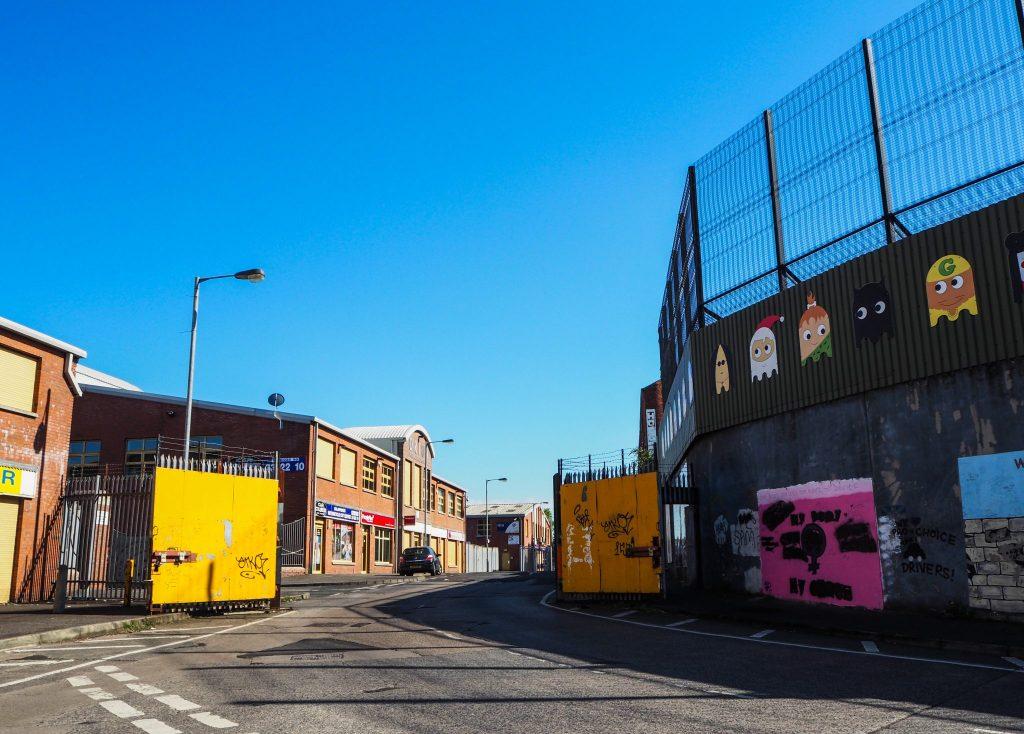 Les barrières se ferment à Belfast- Un week-end à Belfast: conseils pratiques et bonnes adresses pour un week-end réussi de quelques jours en Irlande du Nord