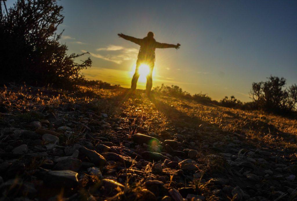 Coucher de soleil à Bahia Bustamante, une photo prise avec un simple retardateur