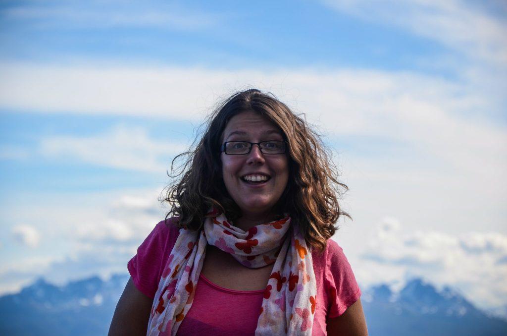 Quand je demande à ma compagne de voyage favorite de me tirer le portrait à Ushuaïa en Argentine