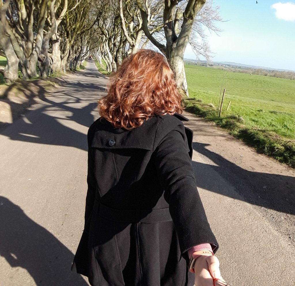 Utilisation parcimonieuse de la perche à selfie lorsque je voyage en solo