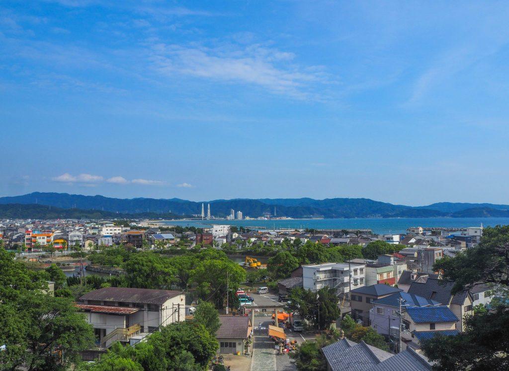 Vue depuis le temple Tenman-gu à Wakayama lors d'un voyage au Japon authentique en mode slow travel