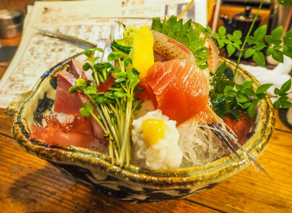Nagakone, un izakaya pour manger des sashimis à Wakayama, pour découvrir un Japon authentique en mode slow travel
