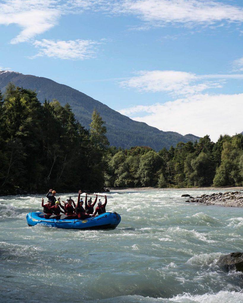 Faire du rafting sur l'Ötztal Ache au parc Area47 - Un voyage en Autriche d'aventure et d'adrénaline: repousser et tester ses limites au tyrol