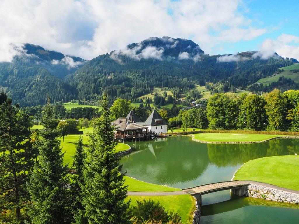 Hôtel A-rosa à Kitzbühel dans le Tyrol autrichien - un voyager en Autriche pour s'immerger dans la culture tyrolienne