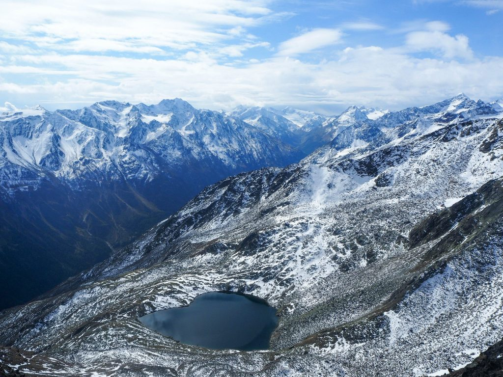 Vue sur les sommets à Sölden depuis le restaurant panoramique Ice Q - Un voyage en Autriche d'aventure et d'adrénaline: repousser et tester ses limites au tyrol