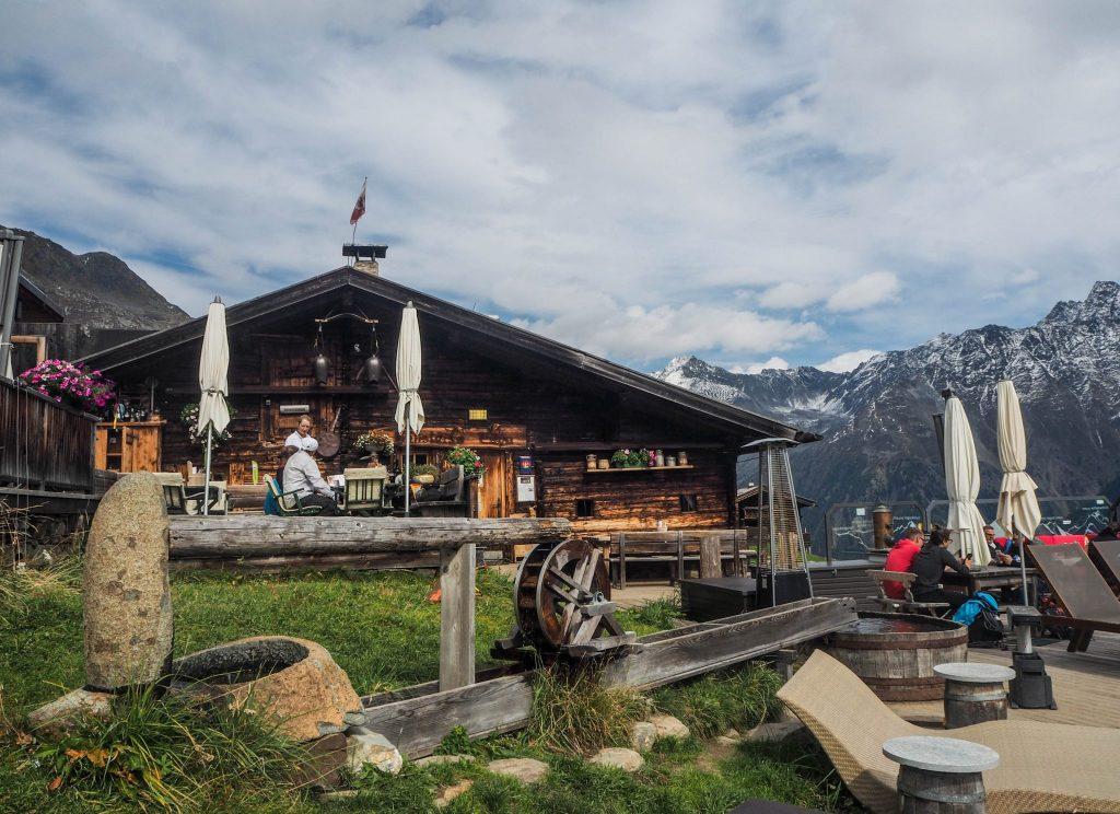 Restaurant alpage au Tyrol - Un voyage en Autriche d'aventure et d'adrénaline: repousser et tester ses limites au tyrol