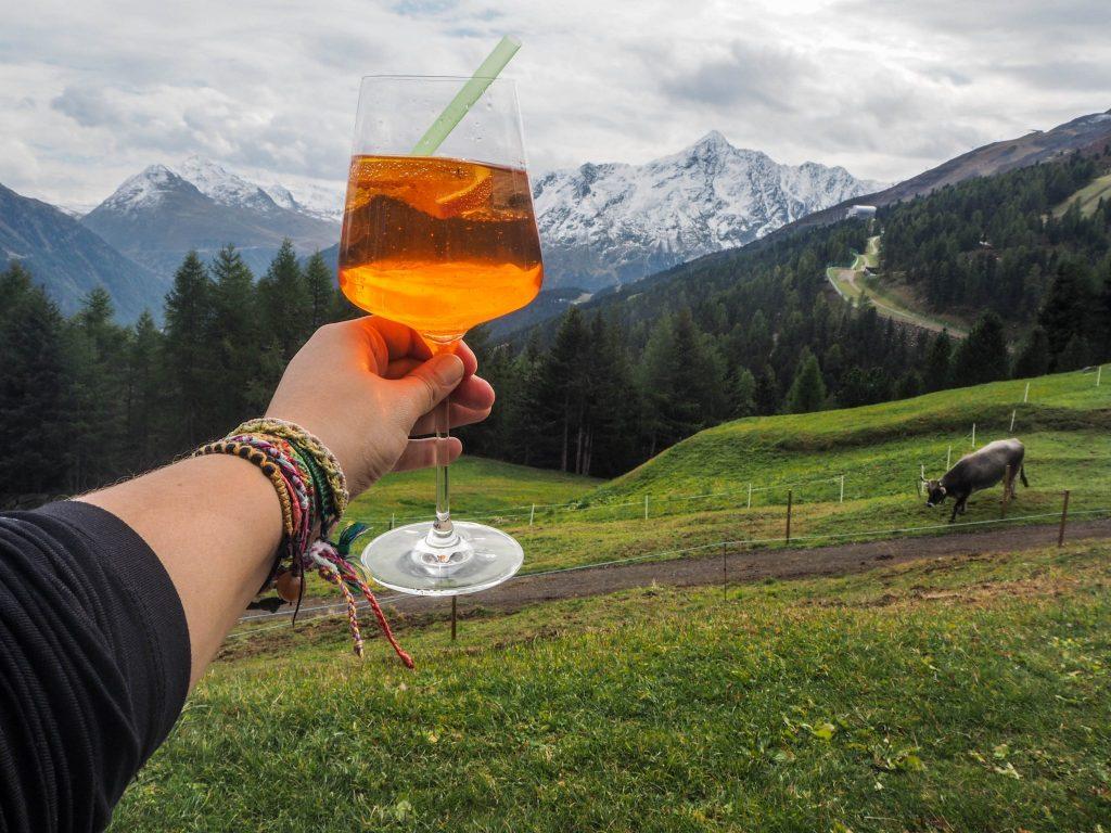 La gastronomie tyrolienne - Apérol Spritz - Un voyage en Autriche d'aventure et d'adrénaline: repousser et tester ses limites au tyrol