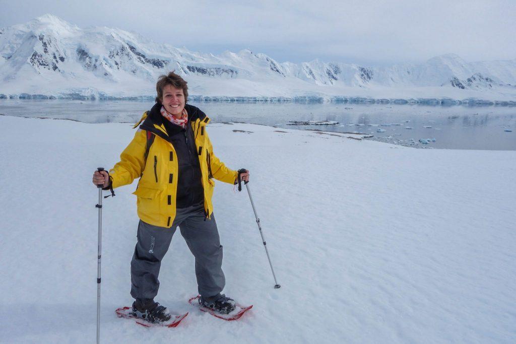 Faire des raquettes en Antarctique - Comment préparer son voyage en Antarctique? Le guide pratique complet pour tout savoir: budget, itinéraire, activités, équipement, faune, voyage responsable, quelle croisière choisir, que faire en Patagonie et où dormir à Ushuaia...